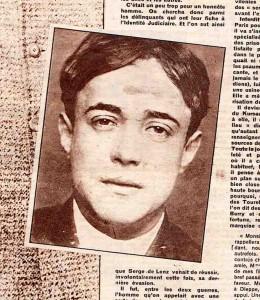Photographie anthropométrique de Serge de Lenz, publiée dans l'hebdomadaire Détective en mars 1952.