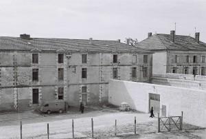 Les bâtiments de l'ancienne caserne Thoiras. Photographie d'Armand Belvisi