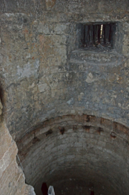 Fig. 7. Château de Selles. Niveau 1. Tour 2. Vue plongeante vers l'espace sous le plancher disparu (LANI, M., 2014).