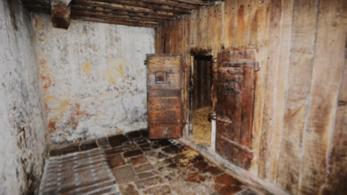 Fig. 20. Prison de l'auditoire de Joinville. XVIe siècle ( ?). Cellule avec cloison de bois (MADRANGES, P., 2013, p. 304).