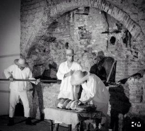 La boulangerie du bagne revit, le temps d'une nuit des musées grâce à l'association Témoignage d'un passé les 29 et 30 mai 2015. Crédit Bruno Mourre.