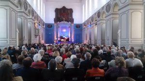 Régis Pasquier et Emmanuel Strosser à l'œuvre en 2015 dans la superbe chapelle Saint Bernard et le dortoir des convers sous le charme des chants yiddish présentés par N. Waysfeld et l'ensemble de Blik : photographies, collection particulière.