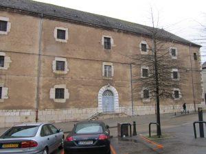 Figure 1 : Maison d'arrêt de Bourg-en-Bresse, façade principale, 2010. © Patrimoine Recherche Avenir