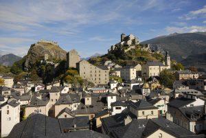 Fig. 14 : Vue générale de la haute vieille ville de Sion en direction de l'est © Musées cantonaux du Valais, Sion. Jean-Albert Margelisch, Sion